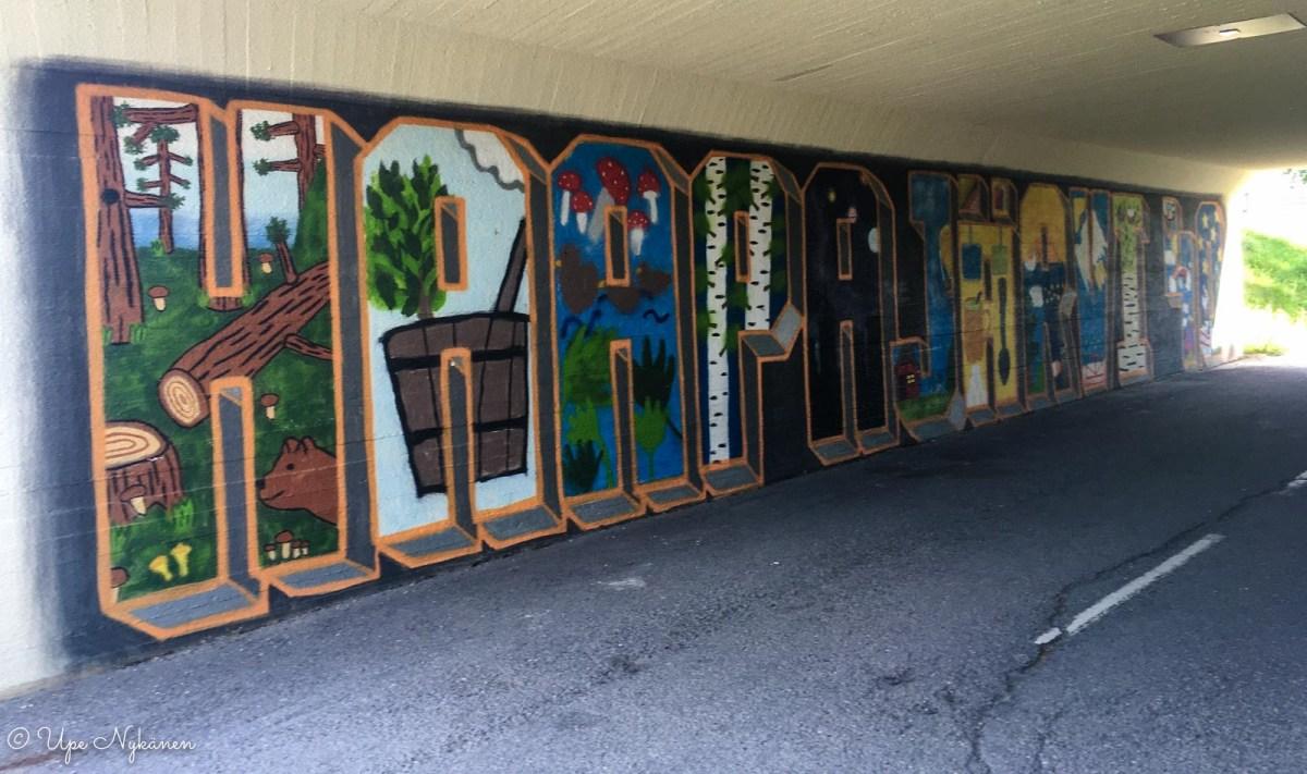 Haapajärvi 40 -graffititaideteos kaupungin asematunnelissa.
