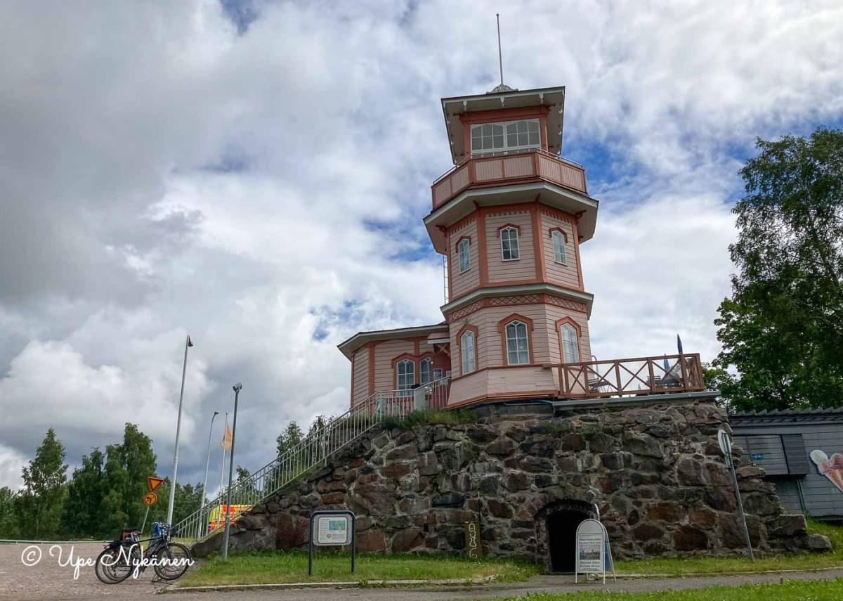Tähtitornin kahvila ja entinen Oulun linna, Oulu.