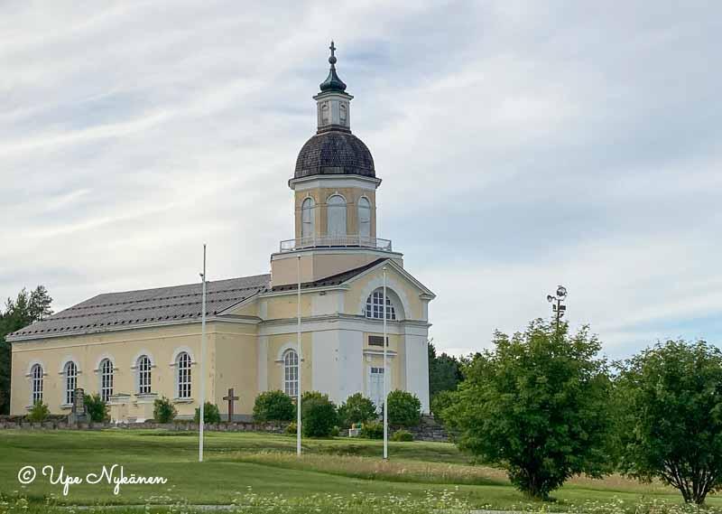 Keminmaan uusi kirkko.