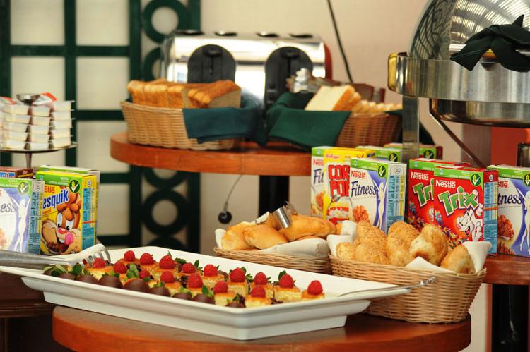terraza-desayuno-buffet-mexico.ciudad.hotel