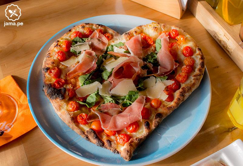 mamma-tomato-pizza-corazon.pizzeria