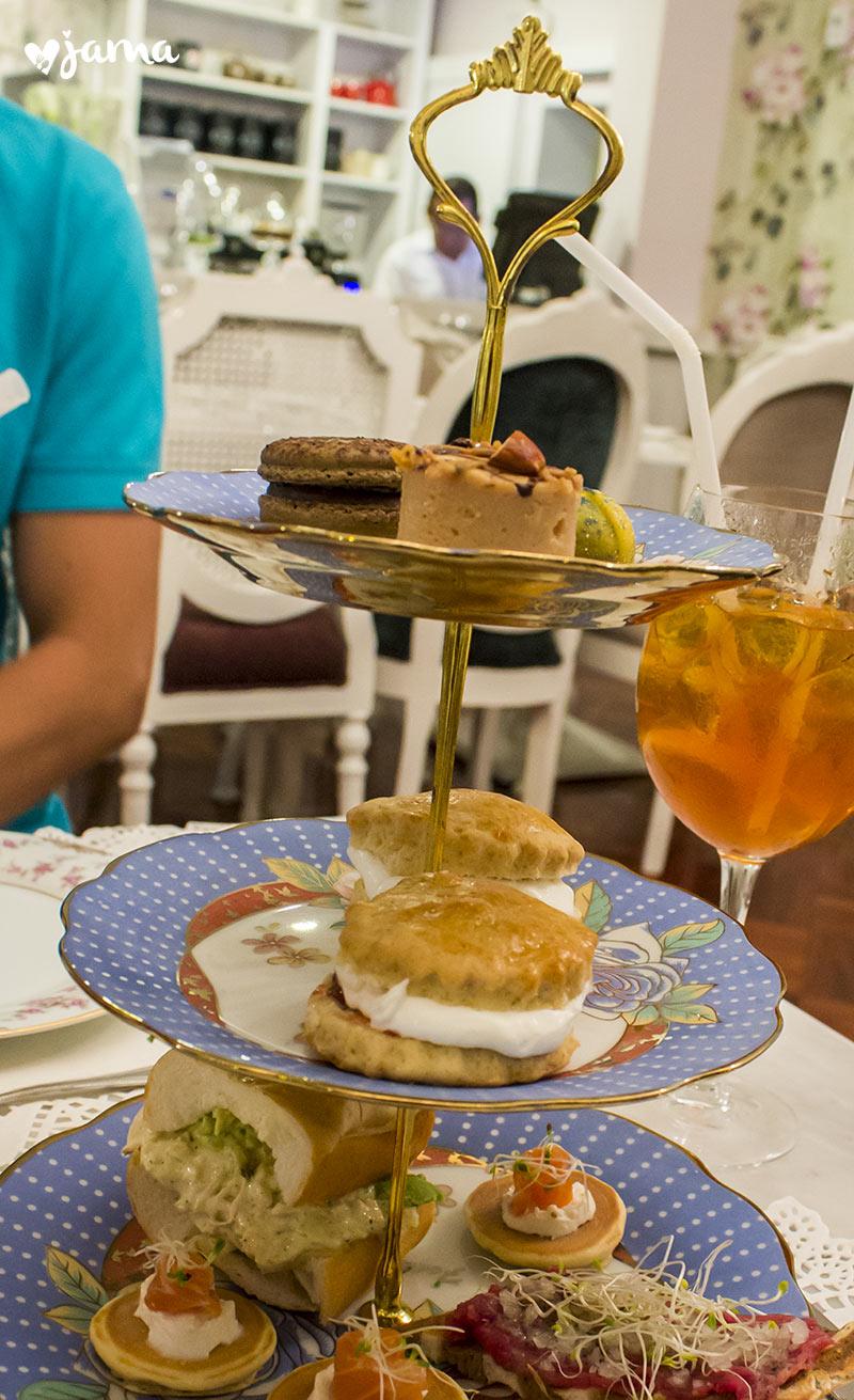 royal-tea-en-las-bolenas-miraflores-restaurante