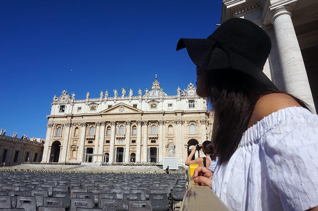 Cúpula de la iglesia San pedro en el Vaticano