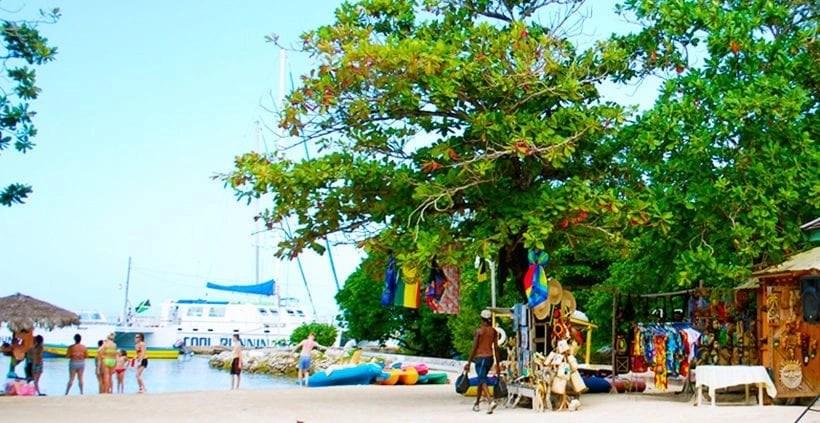 Villa Serenity Guests Beach