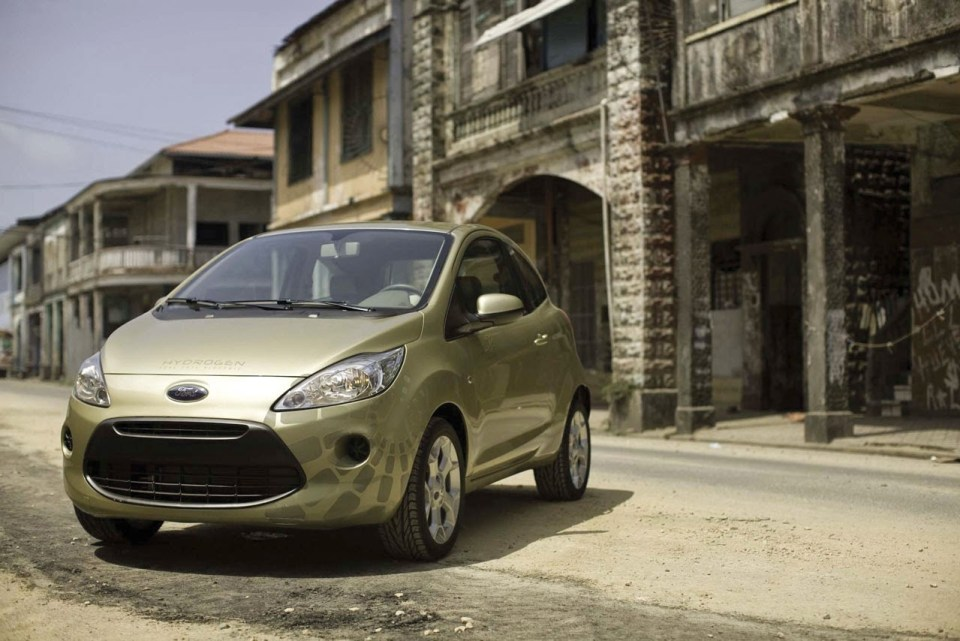 ford-ka-on-the-quantum-of-solace-set-photo-gallery-2009-08j2f404412952aa