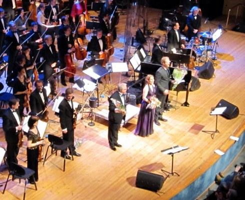 Helen Sjoholm on stage in Norrkoping