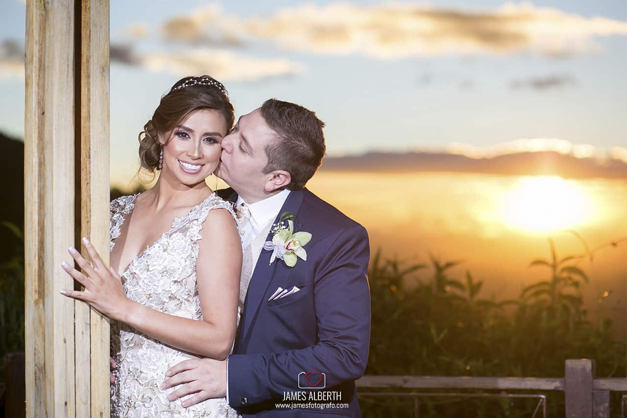 vestidos-de-novias-hermosos-la-novia-mas-linda-fotografias-de-bodas-profesionales-james-alberth-fotografo-de-bodas