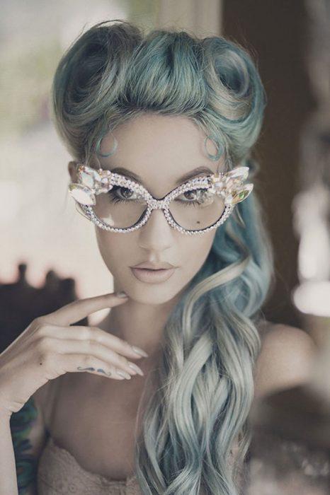 gray-granny-hair-trend
