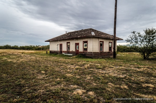 The Hamlin Rail Depot - The Abandoned Santa Fe Rail Depo in Hamlin, Texas