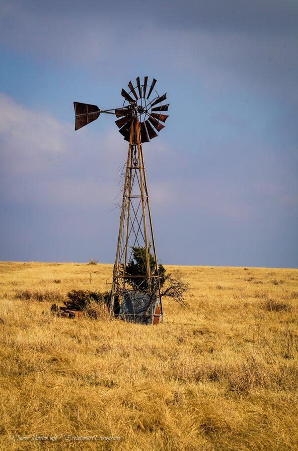 Abandoned Windmill near Ferris, Texas