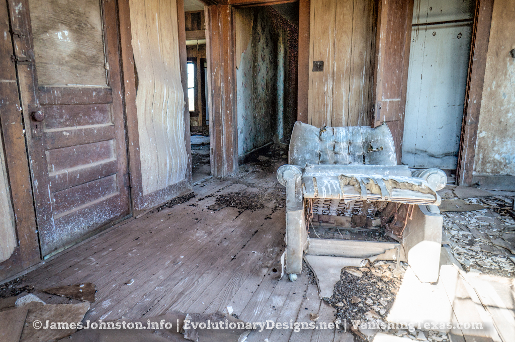 Abandoned Farm House Near Hamlin, Texas - Living area