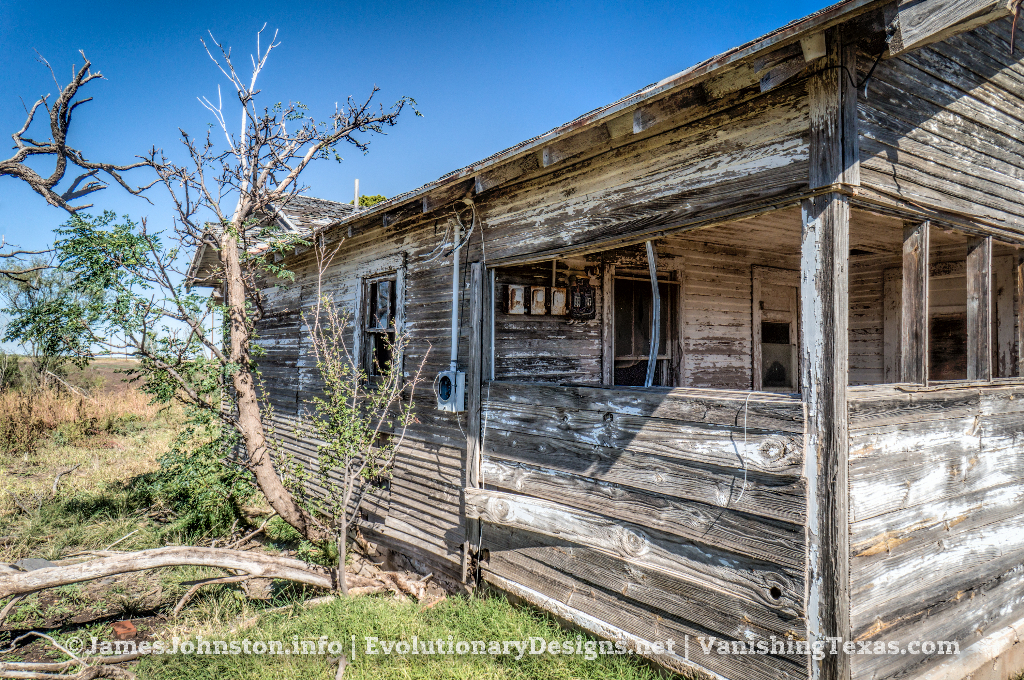 Abandoned Farm House Near Hamlin, Texas - side view