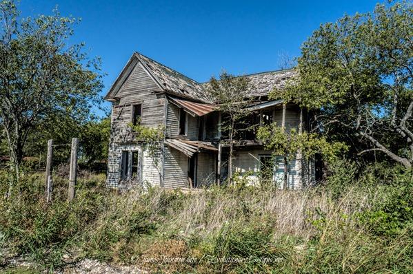 Abandoned Farm House near Eddy, Texas