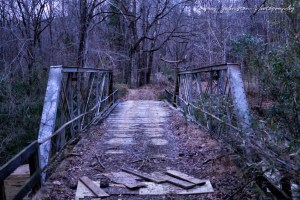Road to Widow's Creek Bridge in Claiborne County, Mississippi