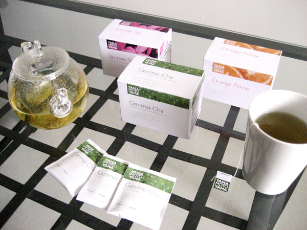05_yamamotoyama-tea-packaging-set_3368505702_o