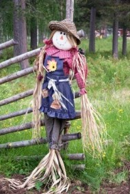 Scarecrow Guarding the Gate