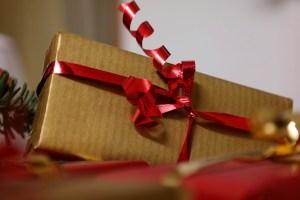 gift-556042_640