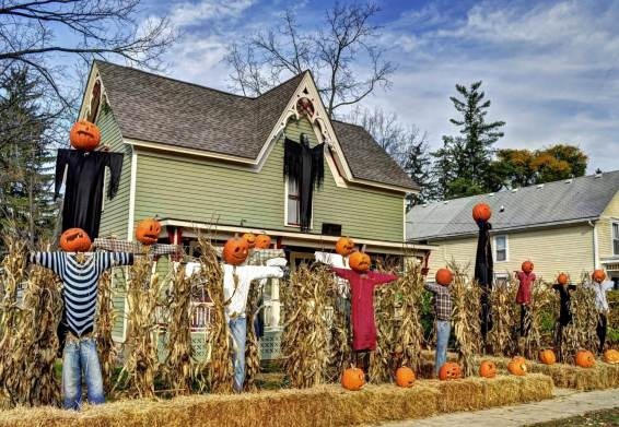 smaller-halloween-decorations