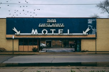 Guest House Motel. Chicago, IL 2015