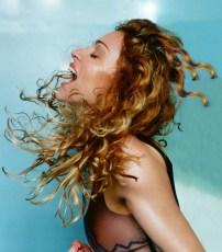 Madonna_-_Ray_of_Light_Promoshoot_by_Mario_Testino_1998_05