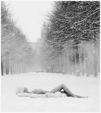 photo-patrick-lichfield-girl-on-snow-e28093-ussr1989
