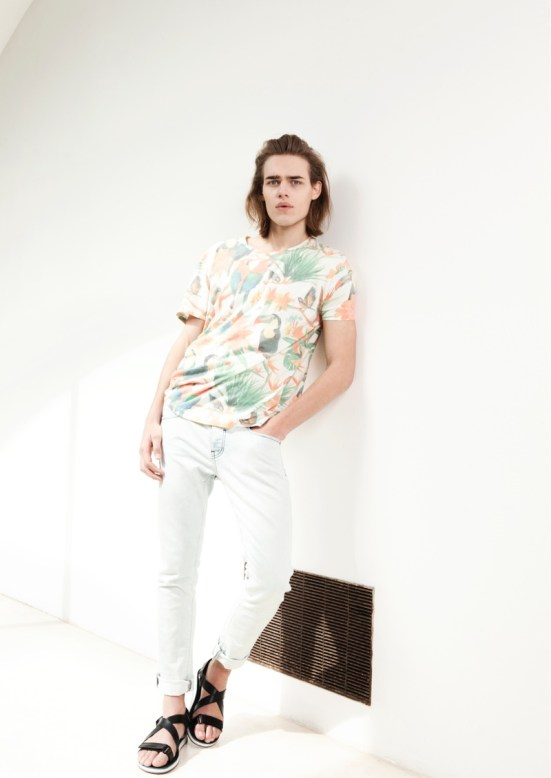 Bershka 'April' Menswear S/S14 Lookbook Update.  summer denim white denim deck shoes accessories palm print shirt male model shopping online wow fashion style wiwt ootd