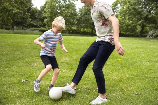 Zara 'Play' Menswear S/S14 Lookbook printed shirt trousers sneakers trainers menswear mensfashion