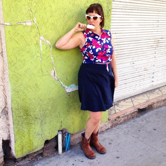 Oversize floral & midriff baring!