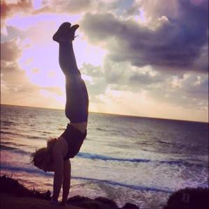 handstand flex & flow yoga