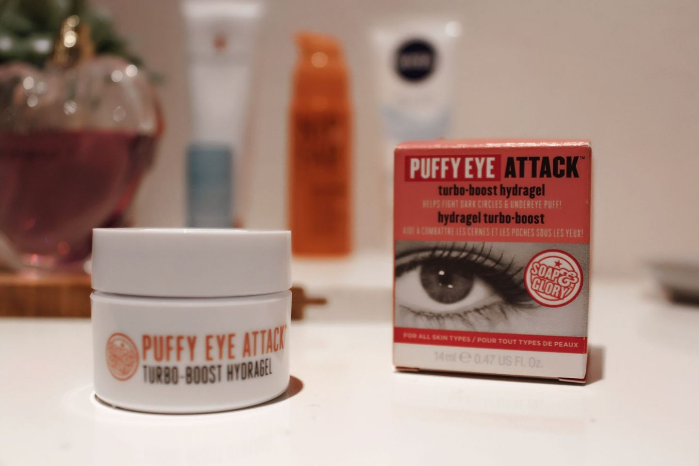soap and glory puffy eye attack