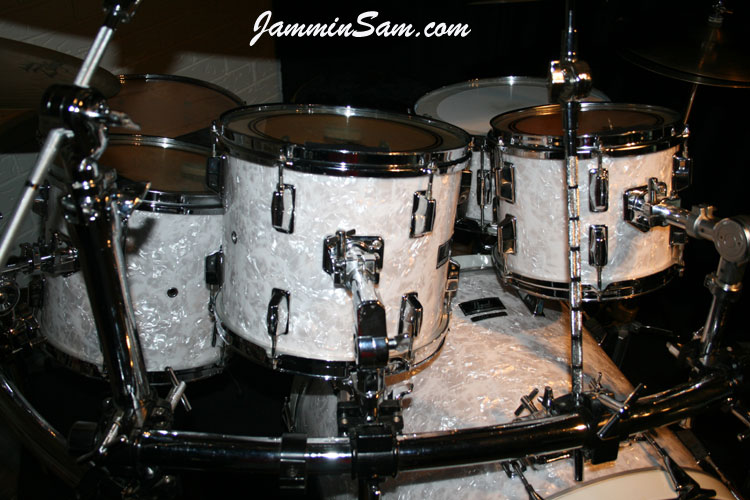 Vintage White Pearl  Original  on Drums   Jammin Sam Photo of Jerry Pate s Pearl drumset with Vintage White Pearl drum wrap  2