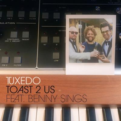 tuxedo benny sings toast 2 us