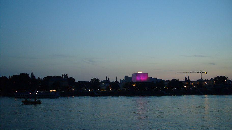 ... Abendpanorama am Rhein.
