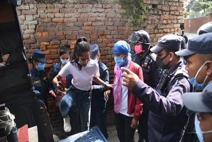चिनियाँ दूतावास अगाडि प्रदर्शन गर्न खोज्नेहरु पक्राउ