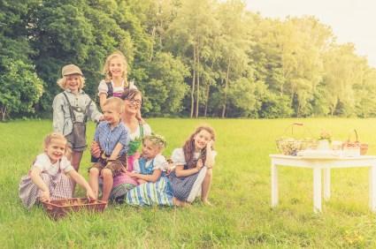 Natürliche und moderne Familienfotos in Grimma,Leipzig und Umgebung, fotografiert von mobiler Fotografin Jana Mänz.