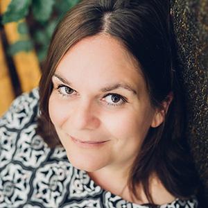 Jana Mänz - künstlerische Fotografin, leidenschaftliche Bildbearbeiterin, Steckenpferd: Suchmaschinenoptimierung, Wordpress-Webseiten-Bauerin für Künstler, Buchautorin Fotografie & Bildbearbeitung, Mama und Hundeliebhaberin...
