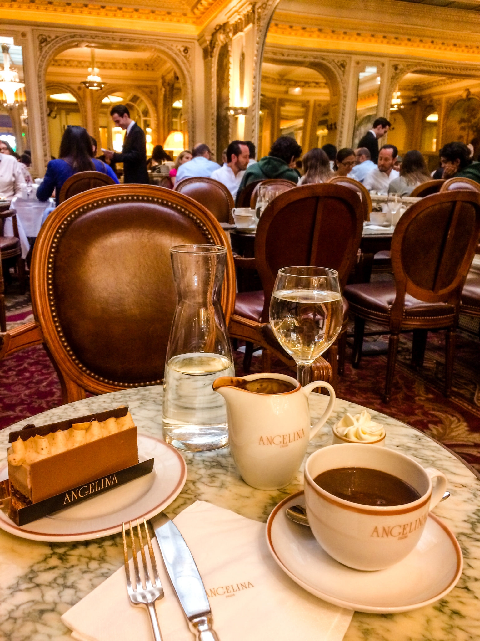 jana meerman cafe angelina paris hot chocolate-3