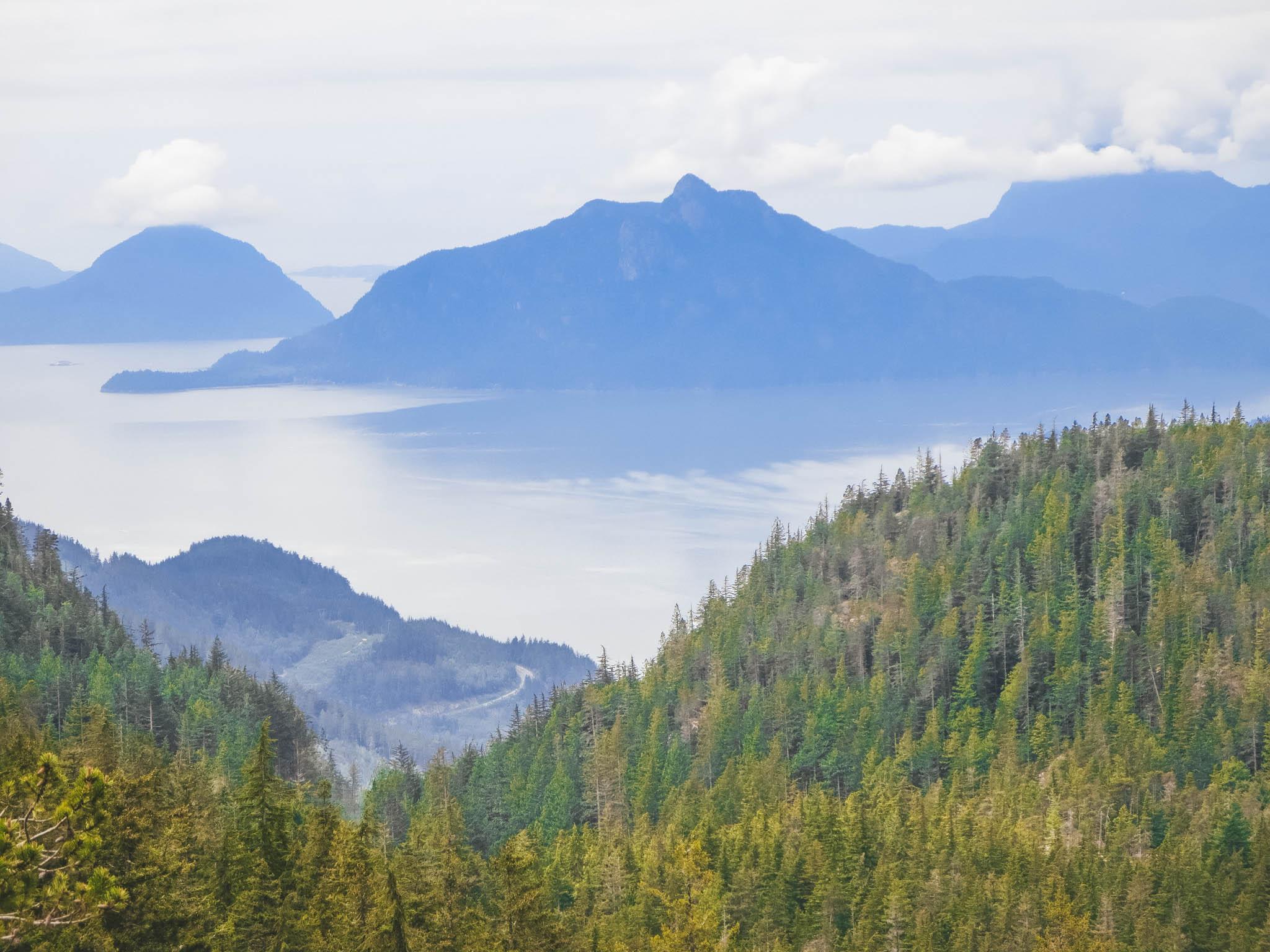 petgill lake best fall hikes near vancouver