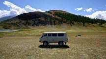 Mongolia-russian-car-lake-khoton-thegeneralist