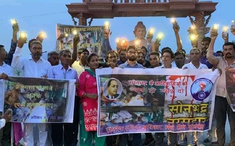 अहमदाबाद में जिग्नेश के नेतृत्व में प्रदर्शन।