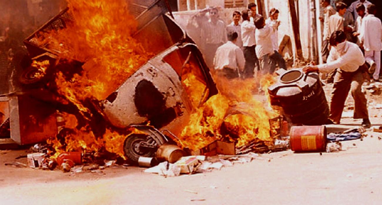भारत में राजनीतिक दल सांप्रदायिकता को उत्प्रेरक के तौर पर इस्तेमाल करते रहे हैं!