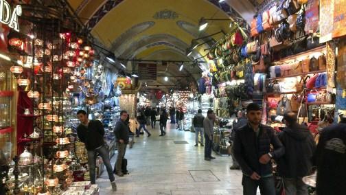 Kapali čaršija - naziv glavne ulice po kojoj ceo Bazar nosi ime