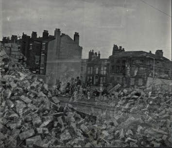 57 liverpool photos 1968 4 - brick and ghosts