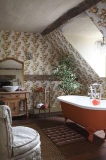 Vintage wallpaper attic bathroom
