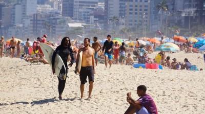 Surferdudes på Ipanema beach