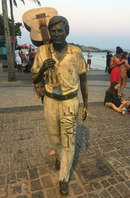 Tom Jobim statue på Ipanema Beach