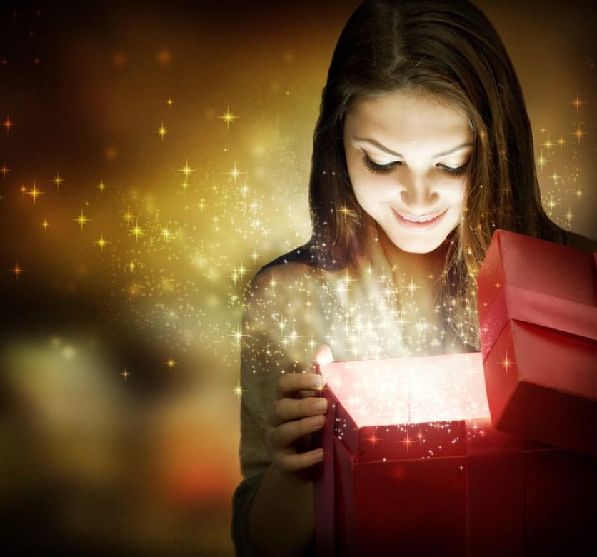 Resultado de imagen para receiving gift
