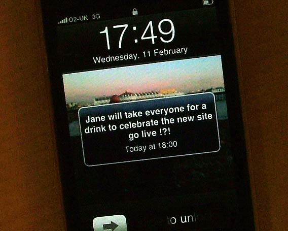 iphone-launch-message