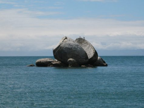 Abel Tasman - Split Apple Rock