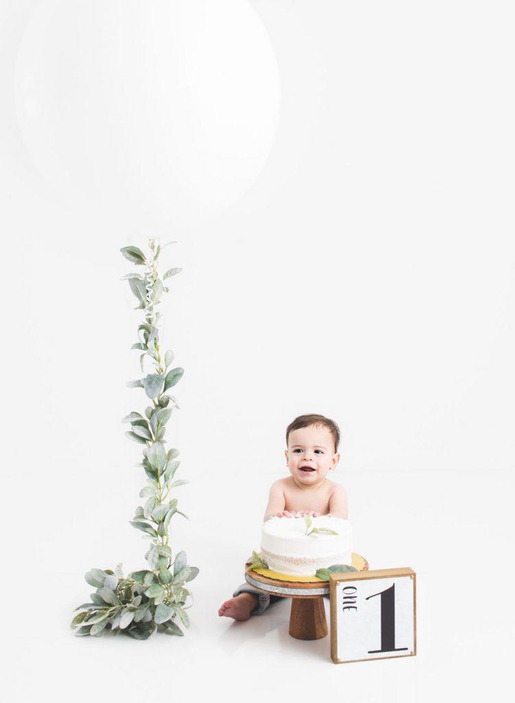 Cake Smash photo, simple, baby boy